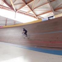 "Vélodrome-Bordeaux. Ph J.R • <a style=""font-size:0.8em;"" href=""http://www.flickr.com/photos/97706845@N04/13845180294/"" target=""_blank"">View on Flickr</a>"