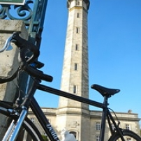 """Le vélo dans le phare • <a style=""""font-size:0.8em;"""" href=""""http://www.flickr.com/photos/97706845@N04/11399767354/"""" target=""""_blank"""">View on Flickr</a>"""