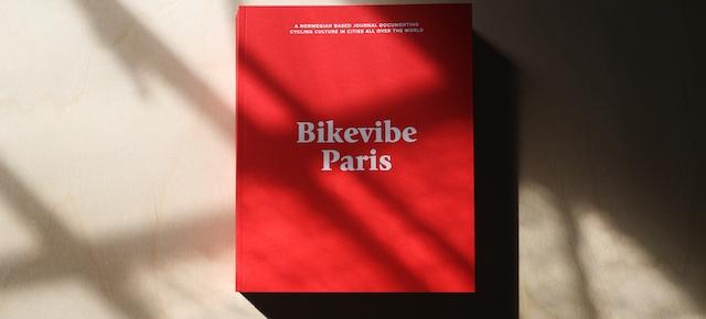 J'AI DEUX AMOURS : MON VÉLO ET PARIS