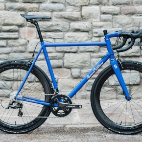 CYCLE EXIF X GRAVILLON #55 : LE YVES KLEIN BLUE DE SPOON CUSTOMS