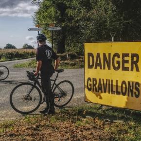LES CHATS NOIRS CYCLISTES x GRAVILLON #2 : CONFINEMENT SAISON 2