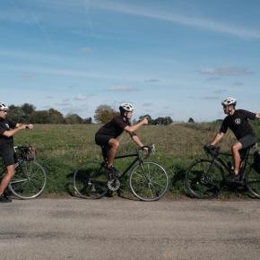 LES CHATS NOIRS CYCLISTES x GRAVILLON #1 : COMPTE À REBOURS AVANT LE CONFINEMENT